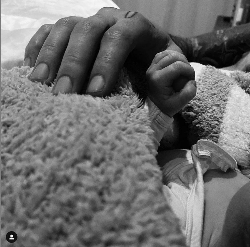 Gigi Hadid y Zayn Malik han sido padres y enseñan fotos de su princesa