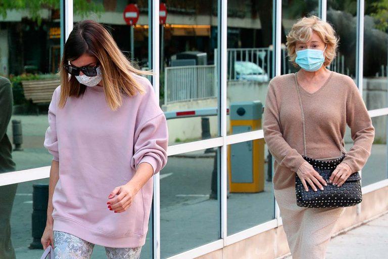 Mila Ximénez acude al hospital con su hija en su lucha contra el cáncer