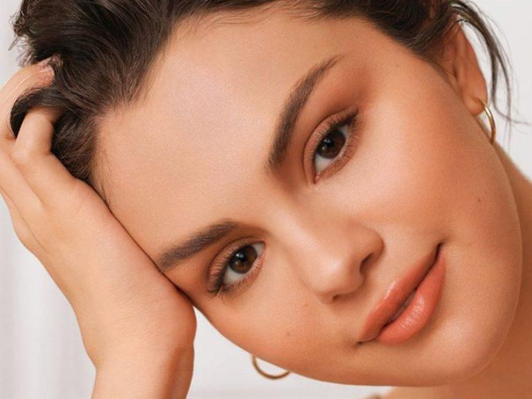Selena Gómez lanza la línea de maquillaje más «rara» del mercado
