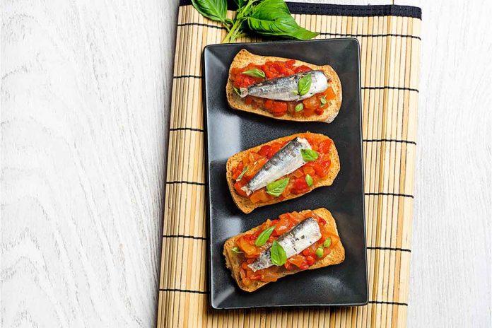 Tostas de tomate y sardinas