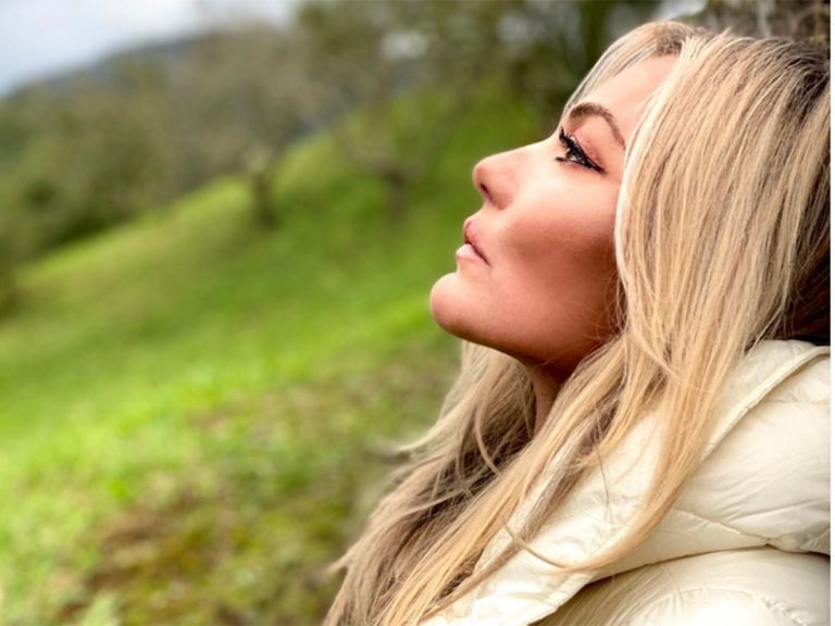 Amaia Montero se quita la ropa y se libra de la censura de Instagram