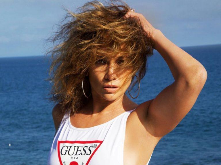 Jennifer López se suelta la melena con un cambio de look de lo más favorecedor