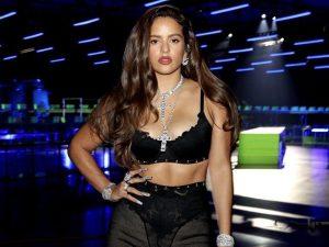 Rosalía alucina con la nueva colección de joyas de Belén Esteban