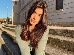 El look de Dulceida de más de 6.000 euros para pasear por la playa
