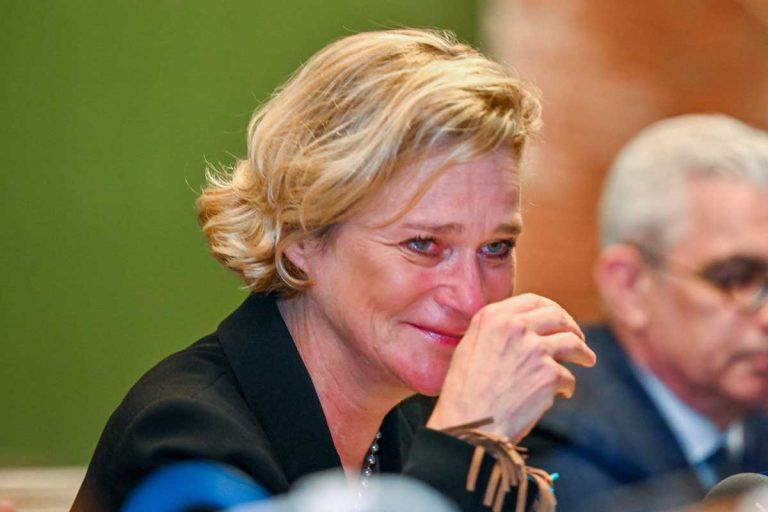 Delphine, la hija del rey Alberto de Bélgica, habla entre lágrimas tras ser reconocida como princesa