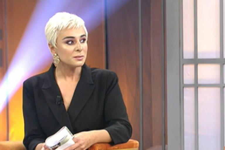 Ana María Aldón denuncia los insultos que recibe a raíz del documental de Rocío Carrasco
