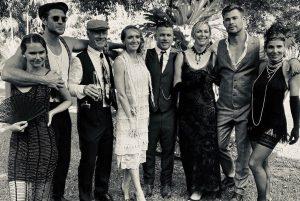 Elsa Pataky y Chris Hemsworth reviven los locos años 20 durante una fiesta familiar