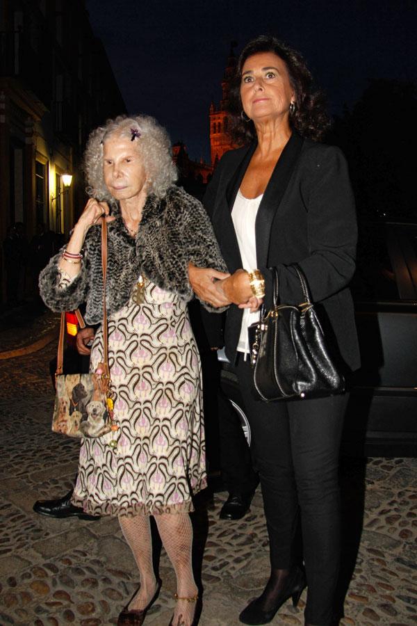La duquesa de Alba y Carmen Tello