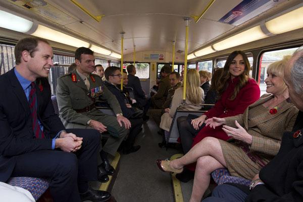 Duques de Cambridge en autobús