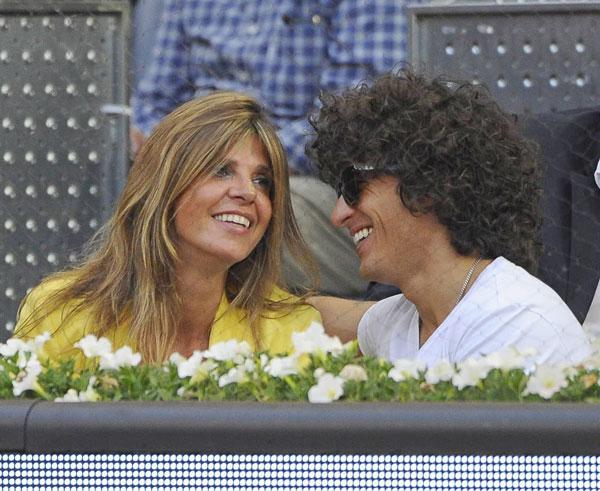 Arancha de Benito y su novio Agustín Etienne durante un partido contra el Madrid Open tennistournament en Madrid, España lunes 5 de mayo de 2014.