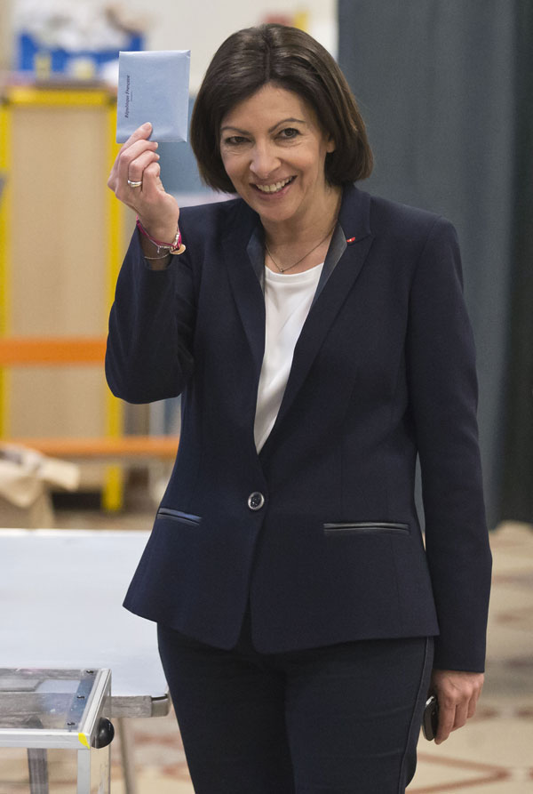 Anne sonriente el día de las elecciones.