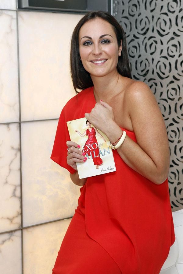 """Ana presenta su libro, """"Amor en Milán"""""""