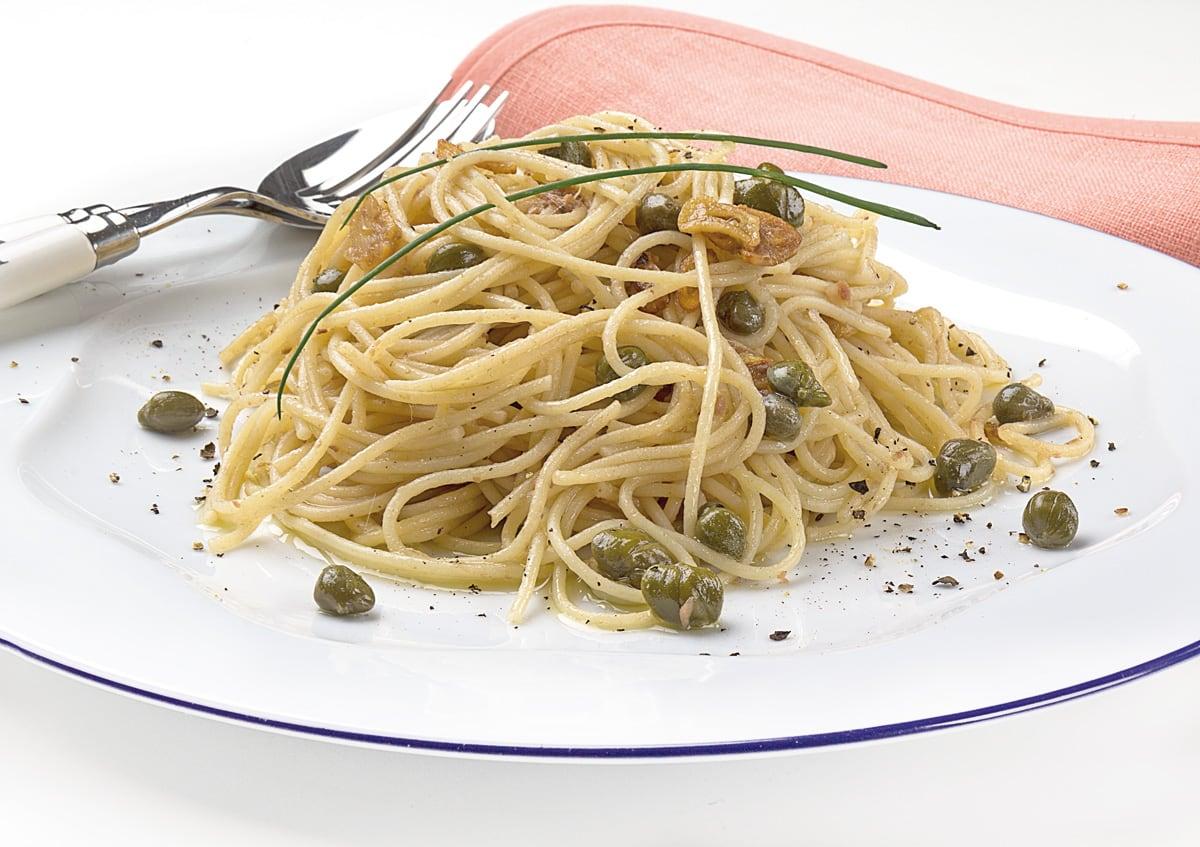 Espaguetini acciugata (en salsa de anchoas)