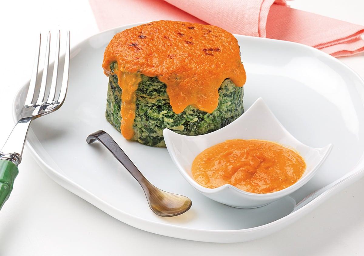 Flanes de espinacas con salsa de zanahoria