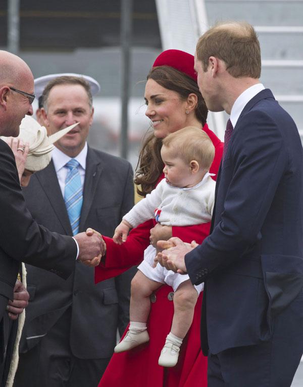 Duques de cambridge y principe George