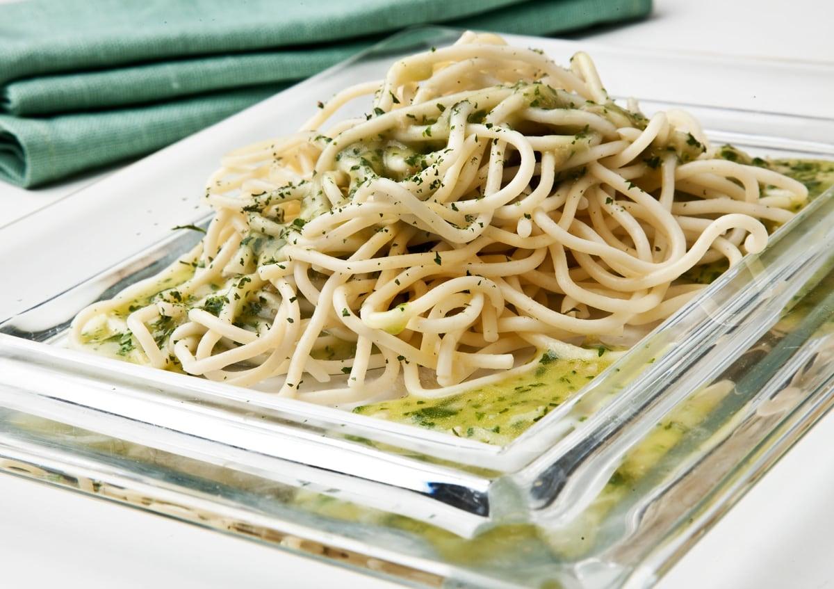 Espaguettis en salsa verde