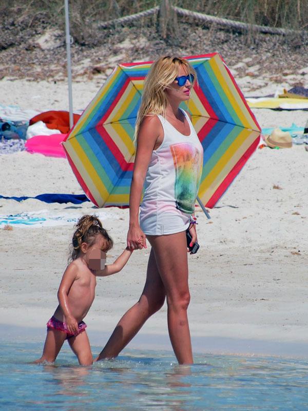 Carolina Cerezuela y su hija Carla