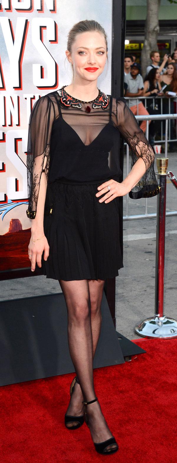"""Amanda Seyfried llega el estreno mundial de """"A Million Ways To Die In The West"""" en el Jueves, 15 de mayo 2014, en Westwood, California"""