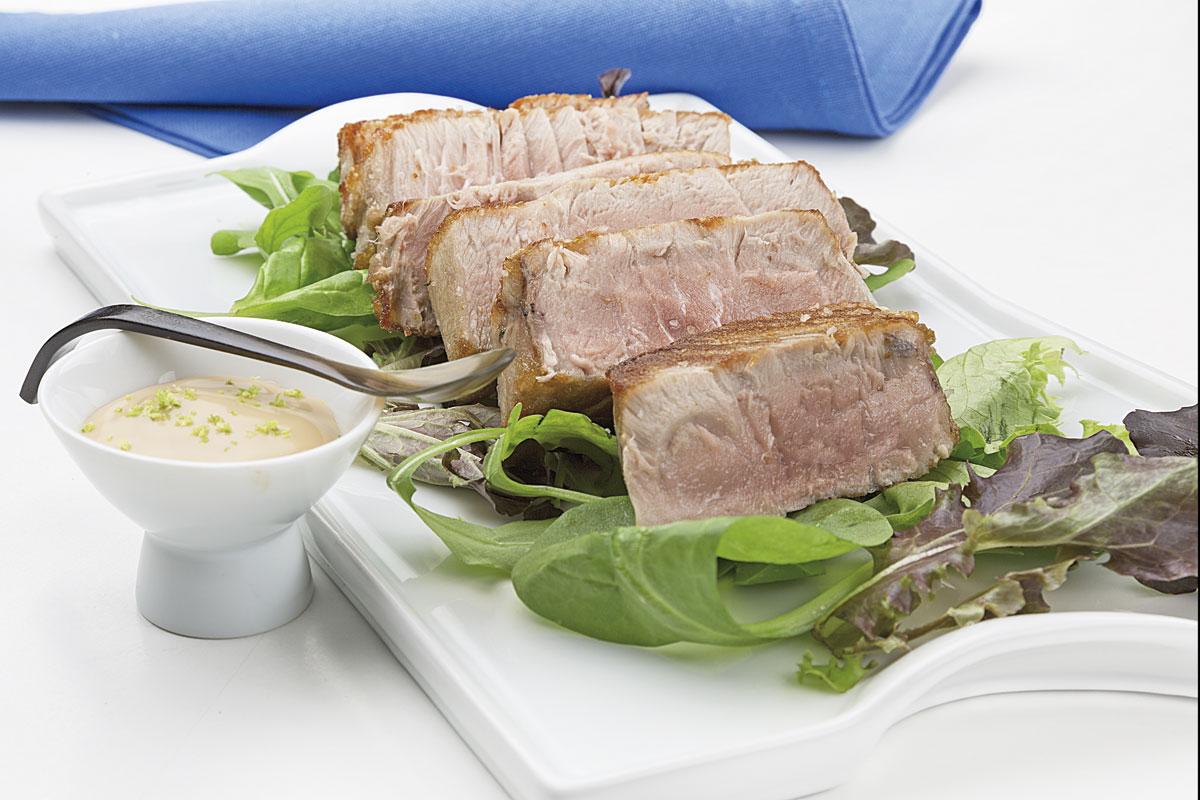 Atún a la plancha con mayonesa de wasabi