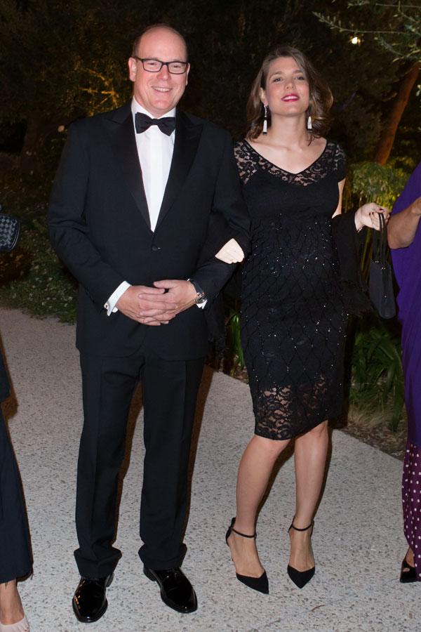 Alberto-y-Carlota de Mónaco en una cena benéfica