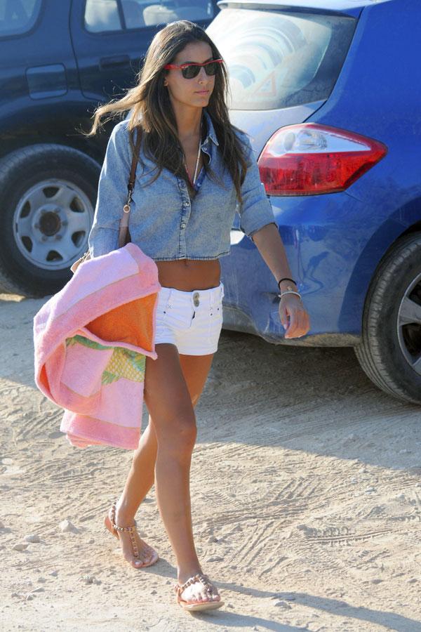 Ana-Boyer en Ibiza con unos amigos