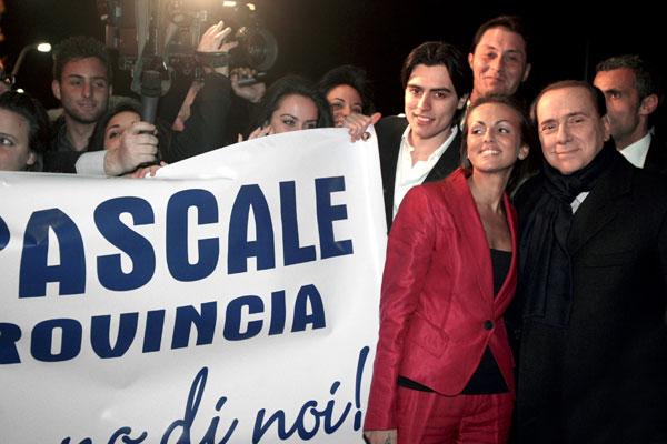 Silvio Berlusconi-y Francesca Pascale ya pueden casarse