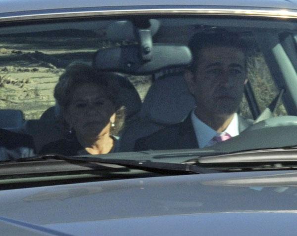 Carmen Bazan a la llegada a la boda de su hijo Victor con Beatriz Trapote