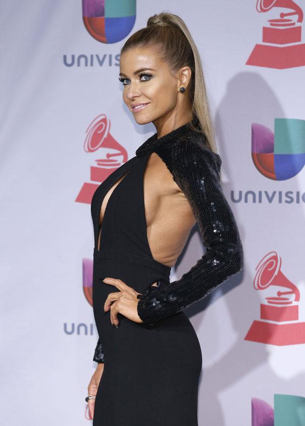 Carmen Electra en la gala de los Grammy Latinos 2013