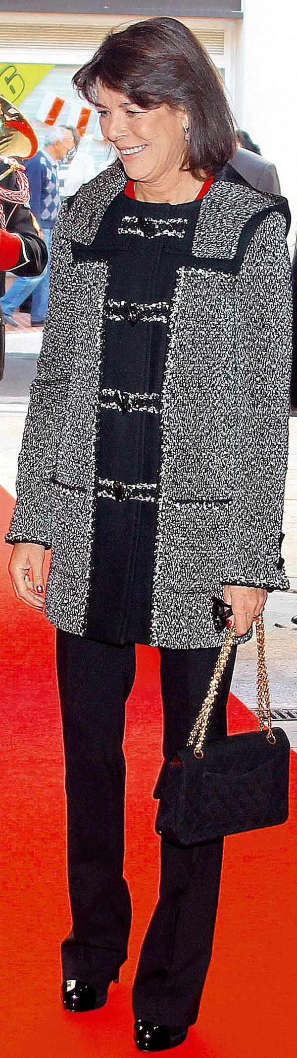 negro-y-tweed