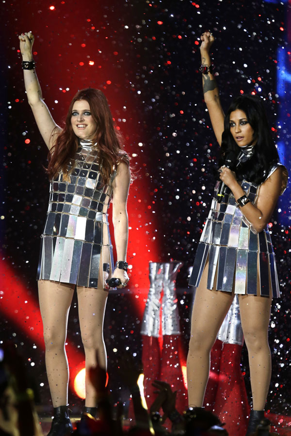 Carolina Hjelt y Aino Jawo en la gala de  premios MTV en Amsterdam