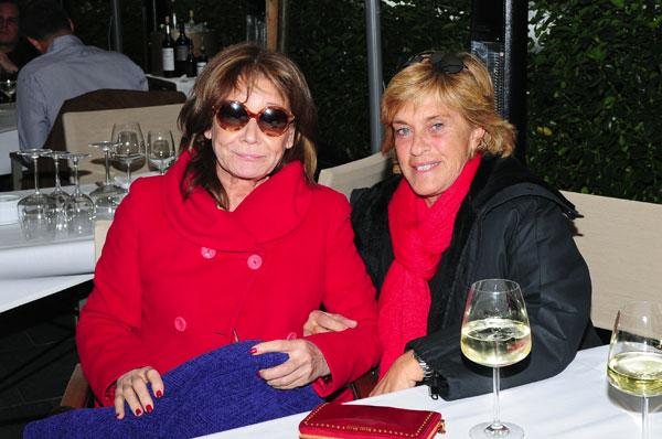 Chelo-García Cortés con-Mila Ximenez compañeras de Sálvame