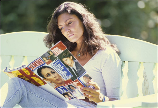 Carmen Ordóñez con-la revista Semana-1990