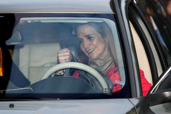 La infanta Elena se fue conduciendo su propio coche