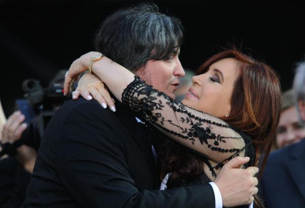 Cristina-Fernández de Kircner y su hijo-Maximo-Kirchner