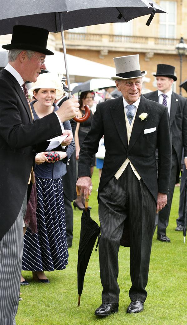 El duque de Edimburgo asiste a una fiesta de jardín en el Buckingham Palace, el centro de Londres. 03/06/2014