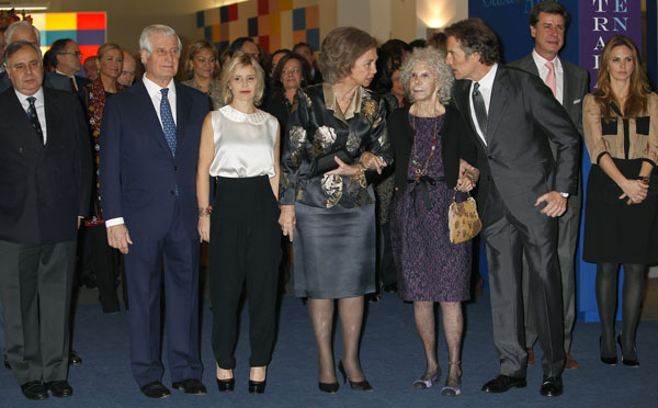 La familia Alba con la reina sofía