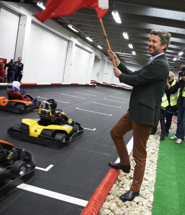 El principe heredero, Federico de Dinamarca, en la academia Power Racing Gokart de Herlev, en Copenhague