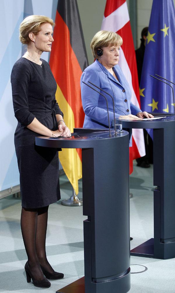 Helle Thorning-Schmidt y Angela Merkel en el Parlamento Europeo