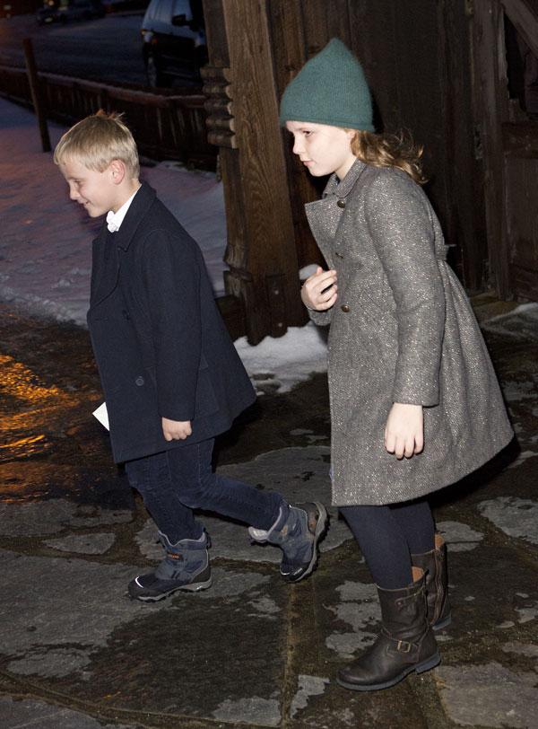 Ingrid Alexandra y Sverre Magnus de Noruega en la misa de Navidad en la iglesia de Uvdal. Noruega /14 diciembre 2013.