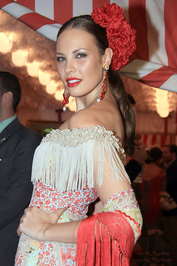 Jessica Bueno en la Feria de Abril de Sevilla 2013