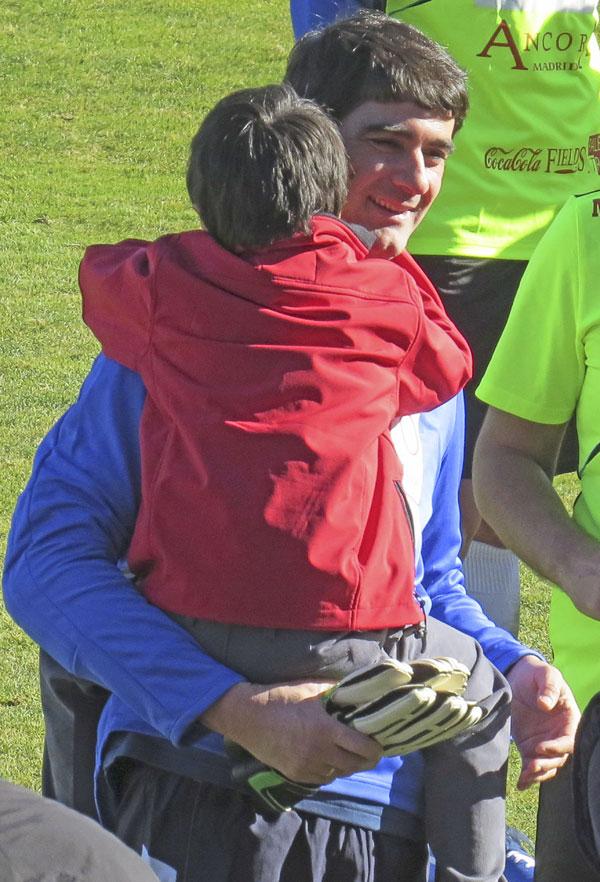 Jesulin-abrazo-hijo