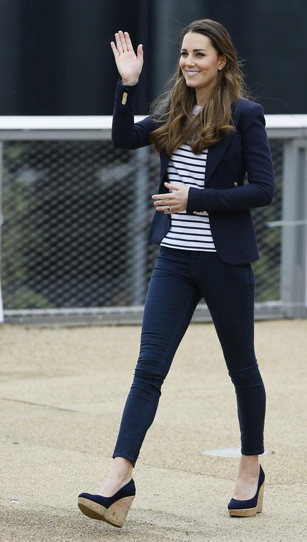 Kate Middleton, duquesa de Cambridge asisten a un evento en Only Connect, Londres  19 de noviembre 2013.