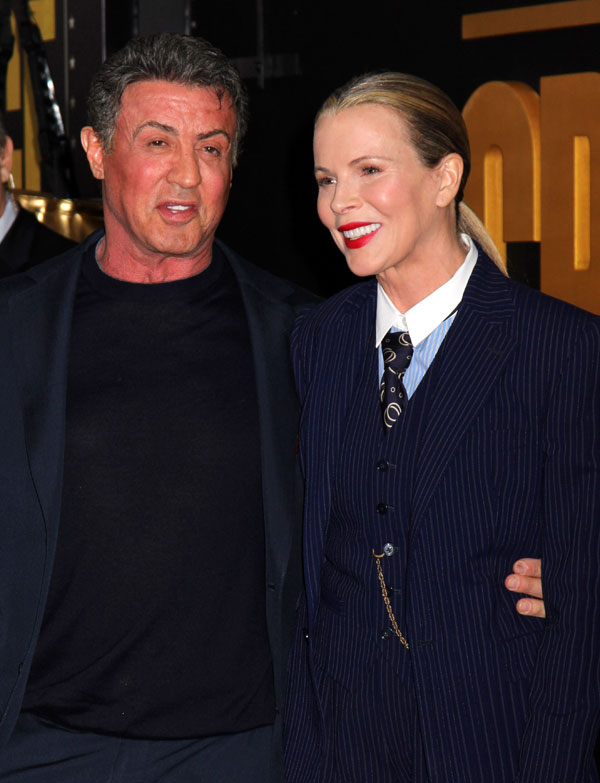 """Los actores Sylvester Stallone y Kim Basinger en el estreno mundial de """"Grudge Match"""", en beneficio del Instituto de Cine de Tribeca, en el Teatro Ziegfeld en Lunes, 16 de diciembre 2013 en Nueva York. Ciudad: Nueva York"""