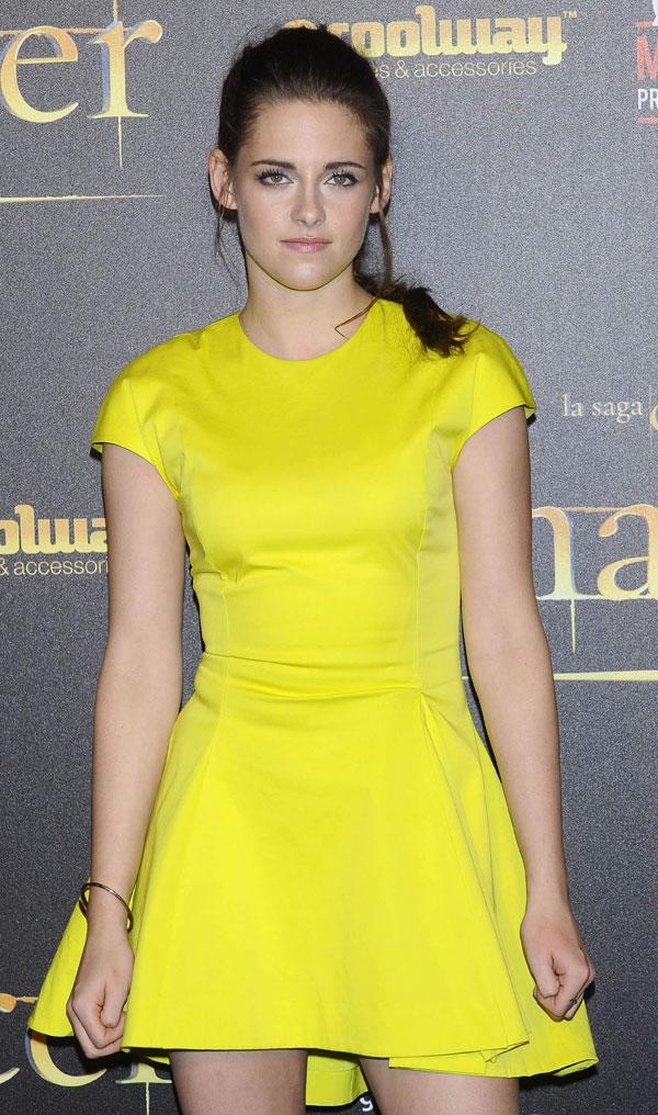 Kristen-Stewart-Madrid-amarillo