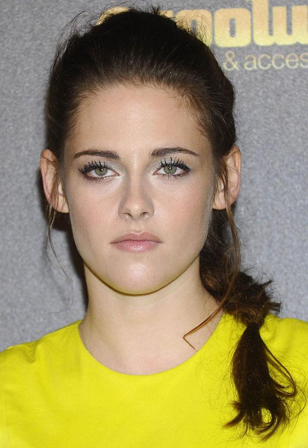 Kristen-Stewart-Madrid-amarillo2