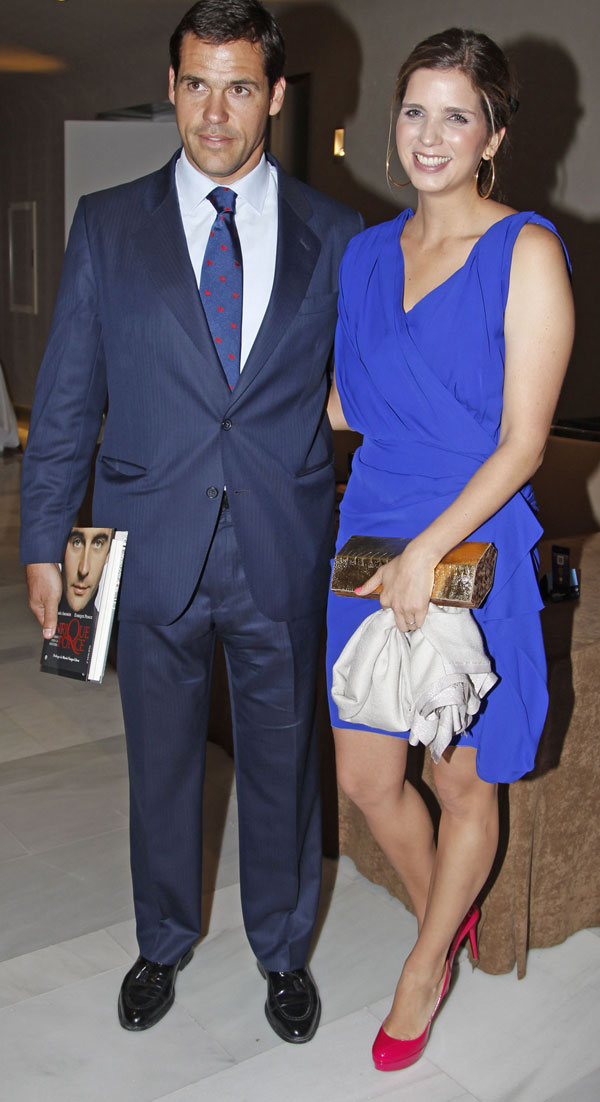 Luis Alfonso de Borbón y Margarita Vargas, duques de Anjou, en el Club Siglo XXI