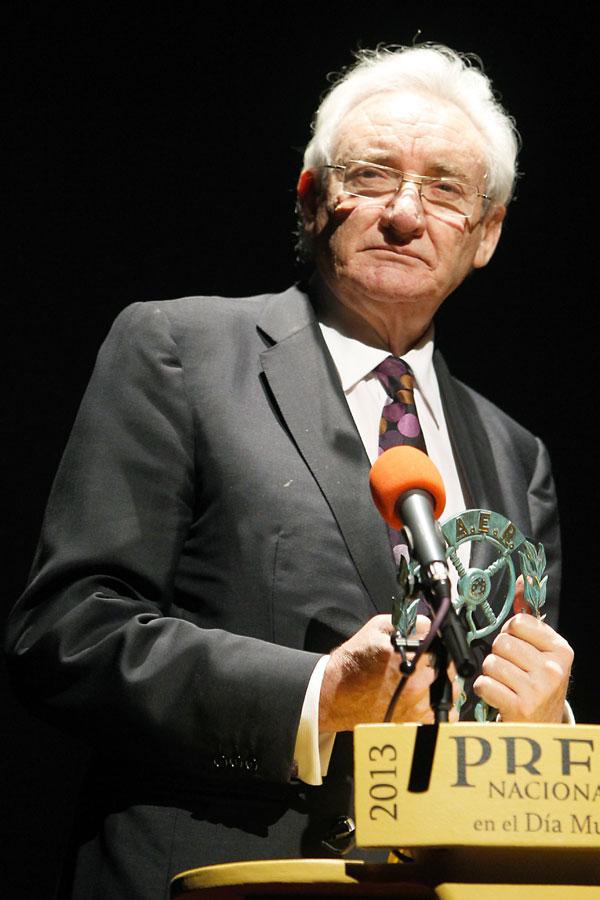 Luis del Olmo premiado por la Academia de la Radio
