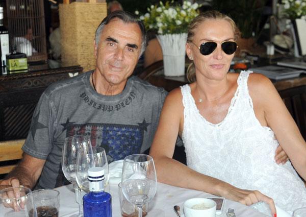 Manuel Segura y su esposa, Mari Paz Pastor, en el Trocadero Arena de Marbella