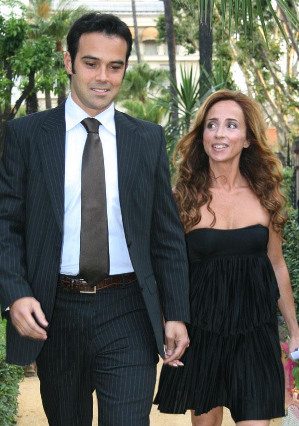 María-Patiño-con-novio