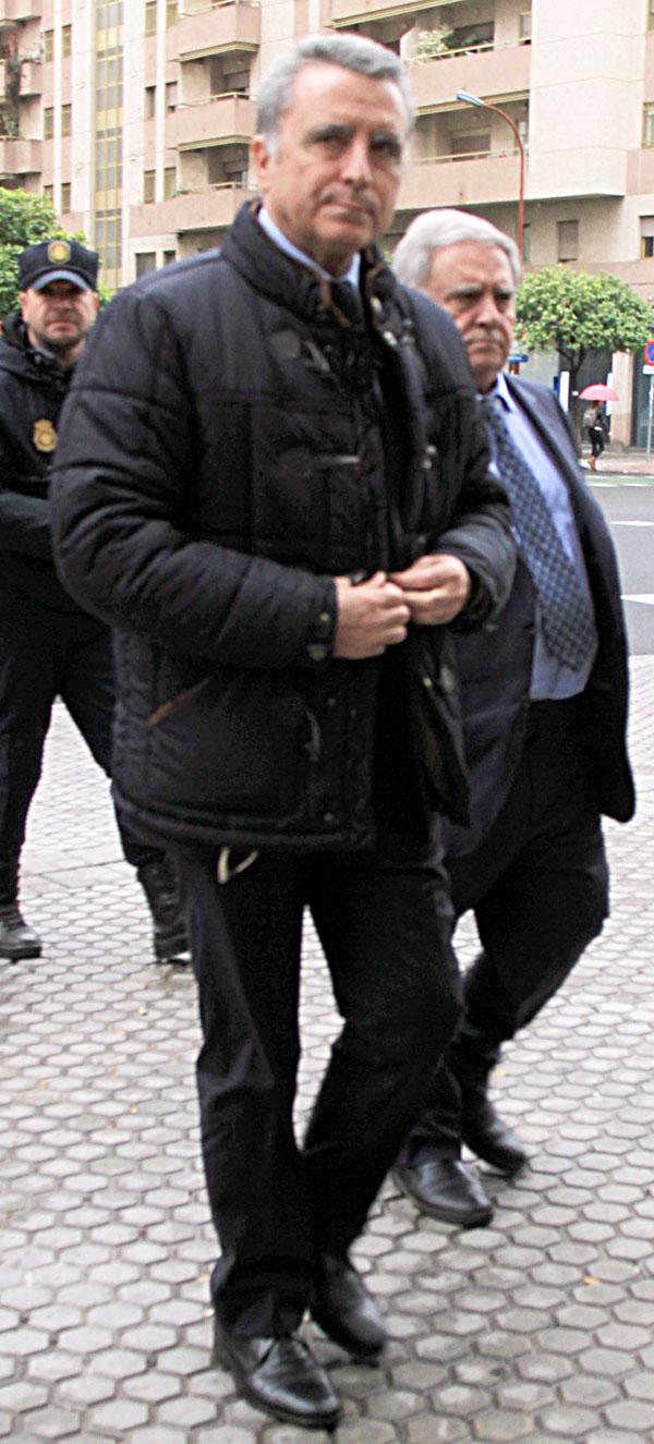 Ortega Cano a su llegada a los juzgados el último día de su juicio